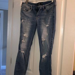 Medium wash Hollister crop jeans